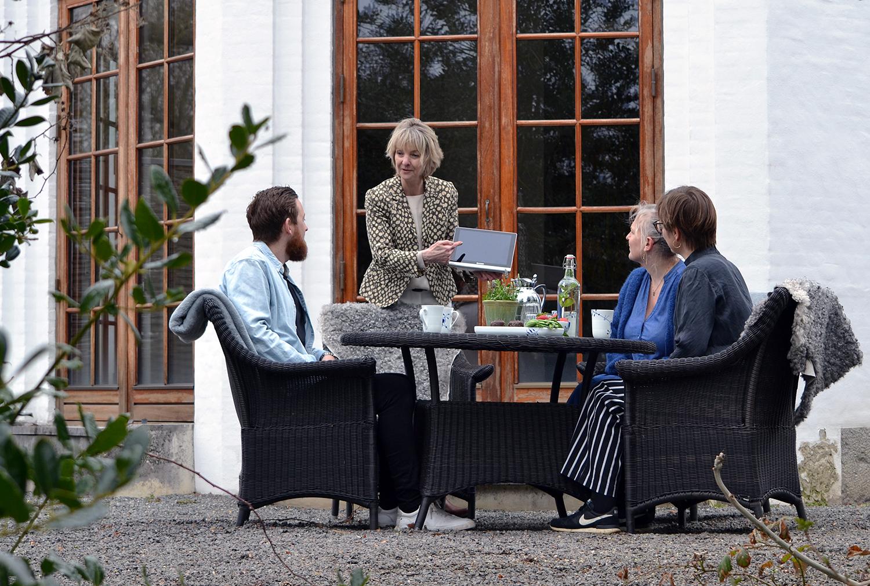 hotelinvestorer får en økonomisk gennemgang af hotellet af Eva Holten